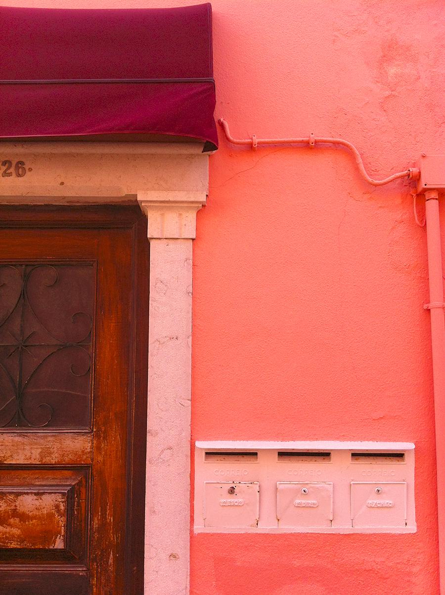Pink Wall. Cascais, Portugal | www.alicia-carvalho.com