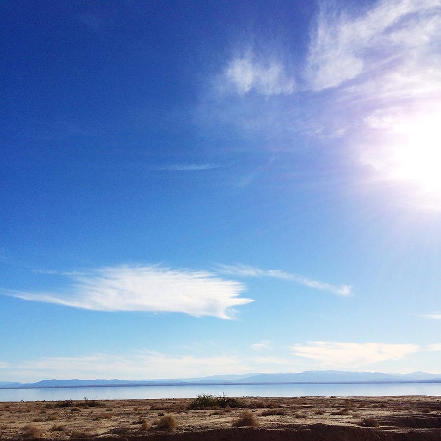Salton Sea outside of Palm Springs #designervaca  | www.alicia-carvalho.com/blog